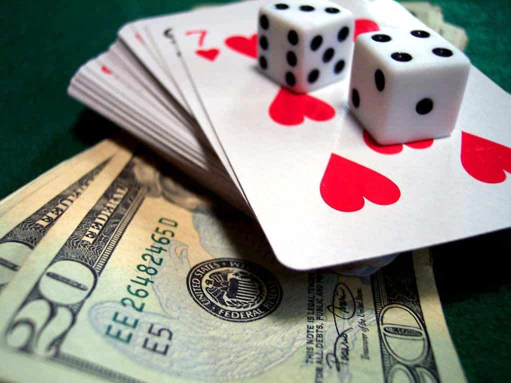 Never-Gamble-With-Money 5 Powerful Strategies That Can Help You Get a Return on Investment (Every Time) Blog Business Leadership Strategies