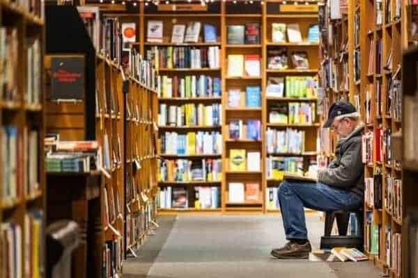 Choose A Blog Name At Bookstores
